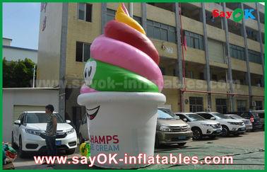 거인은 팽창식 제품,/촉진/당을 위한 팽창식 아이스크림을 광고 주문을 받아서 만들었습니다